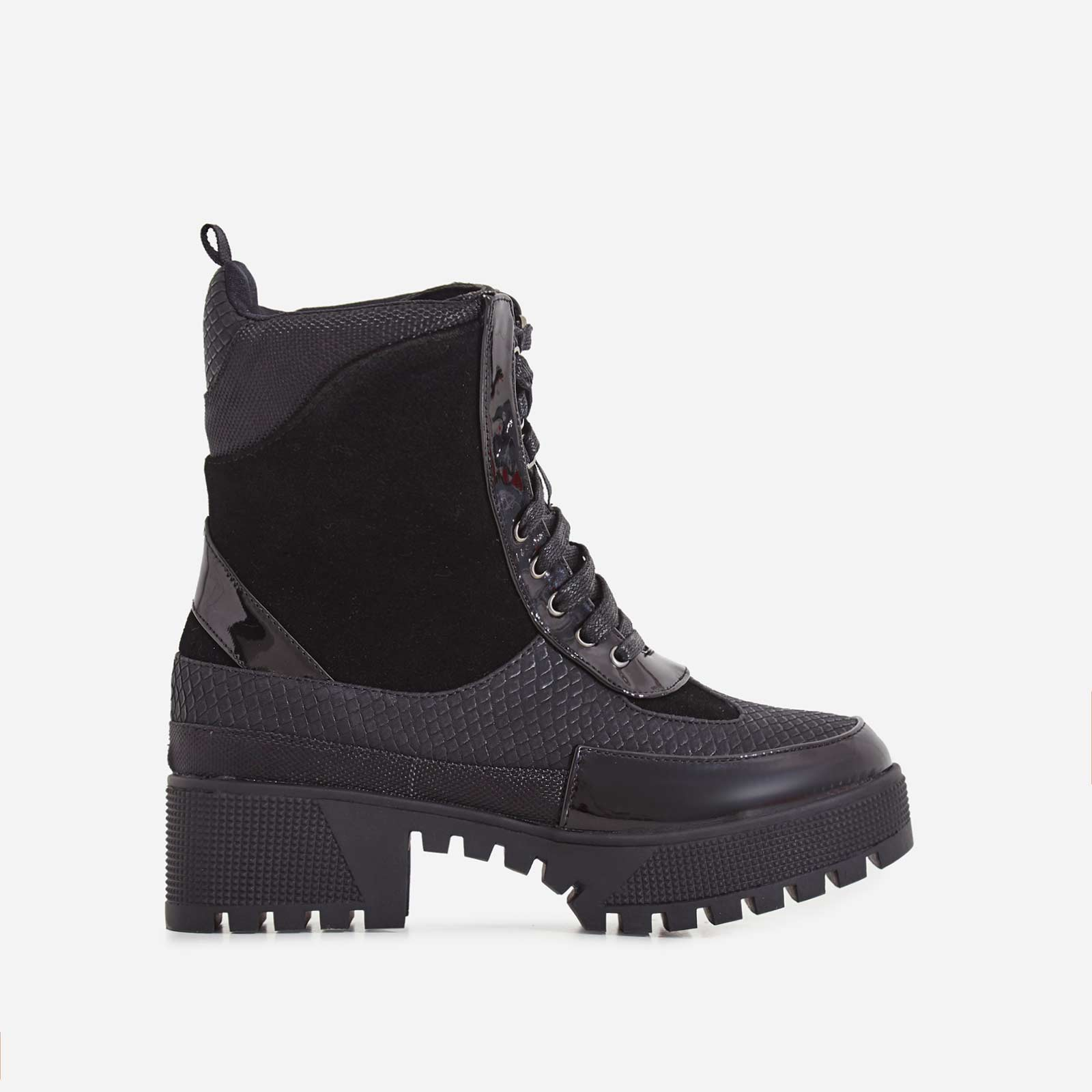 Commander Chunky Sole Lace Up Ankle Boot In Black