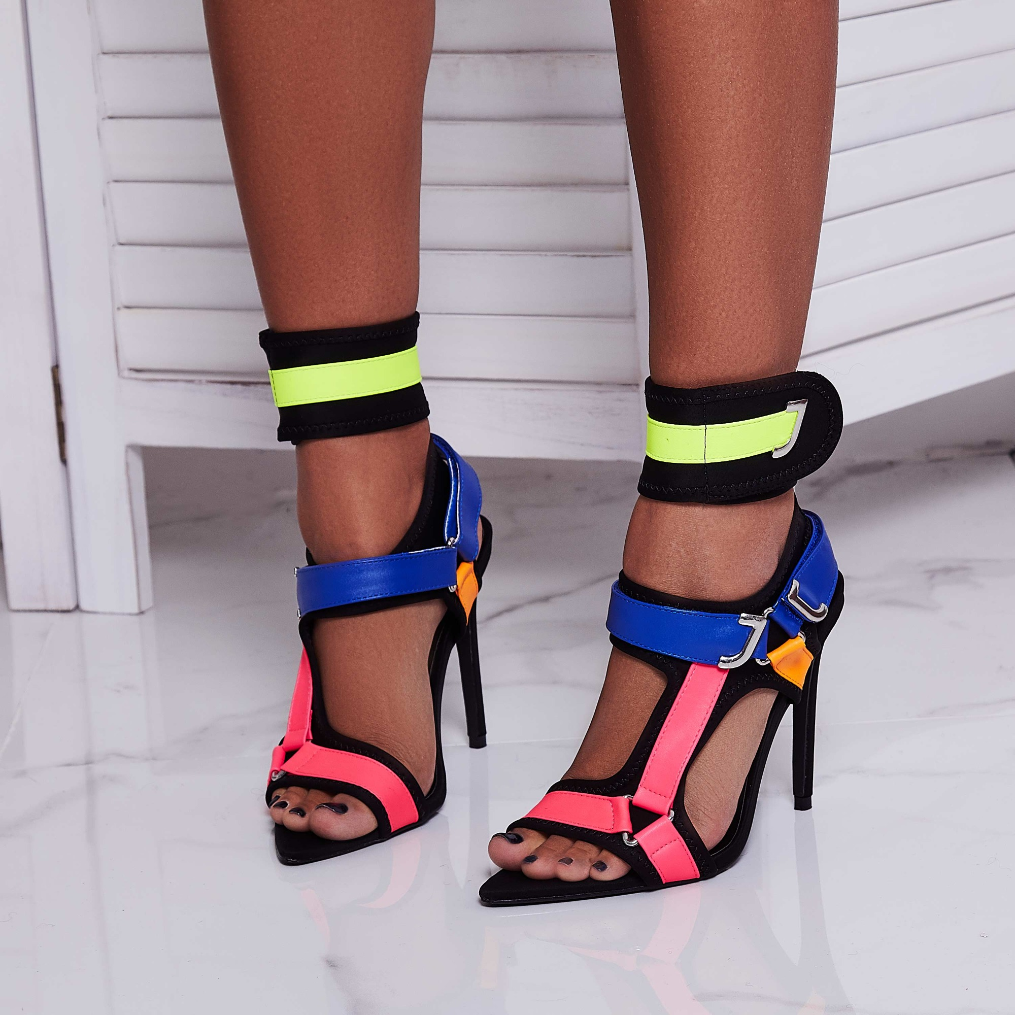 Dive-In Pointed Cage Heel In Black Lycra