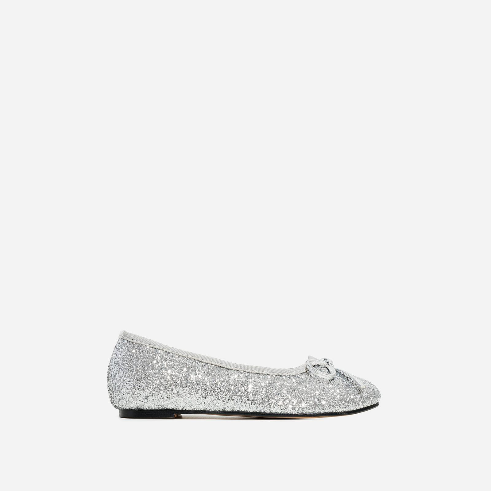 Ballerina Girl's Bow Detail Flat Ballet Pump In Silver Glitter