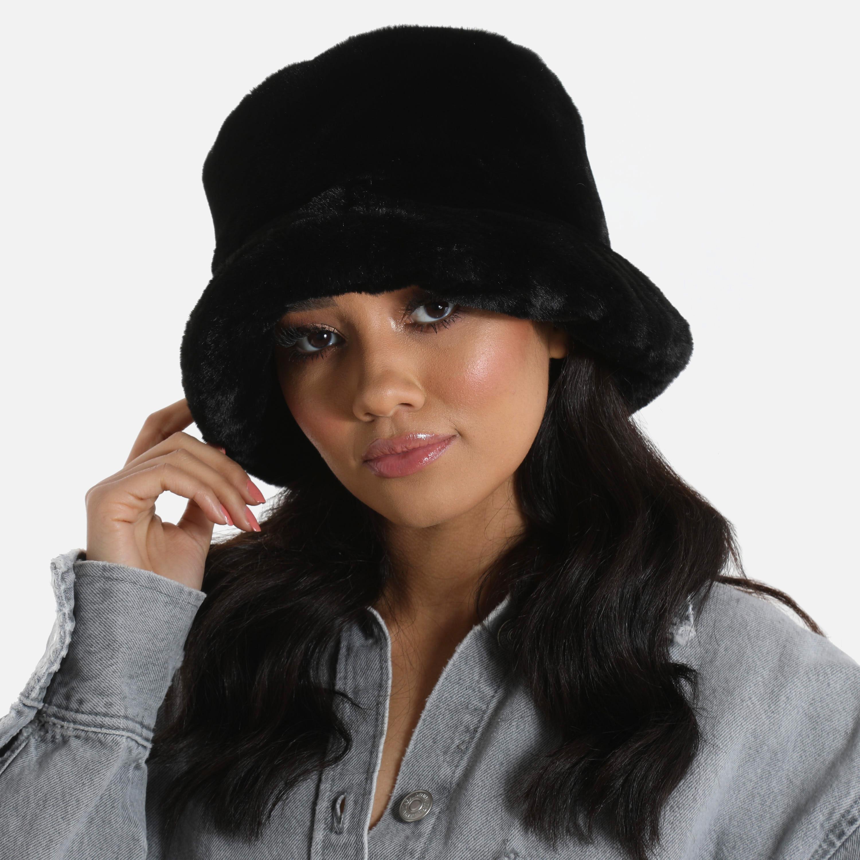 Bucket Hat In Black Faux Fur