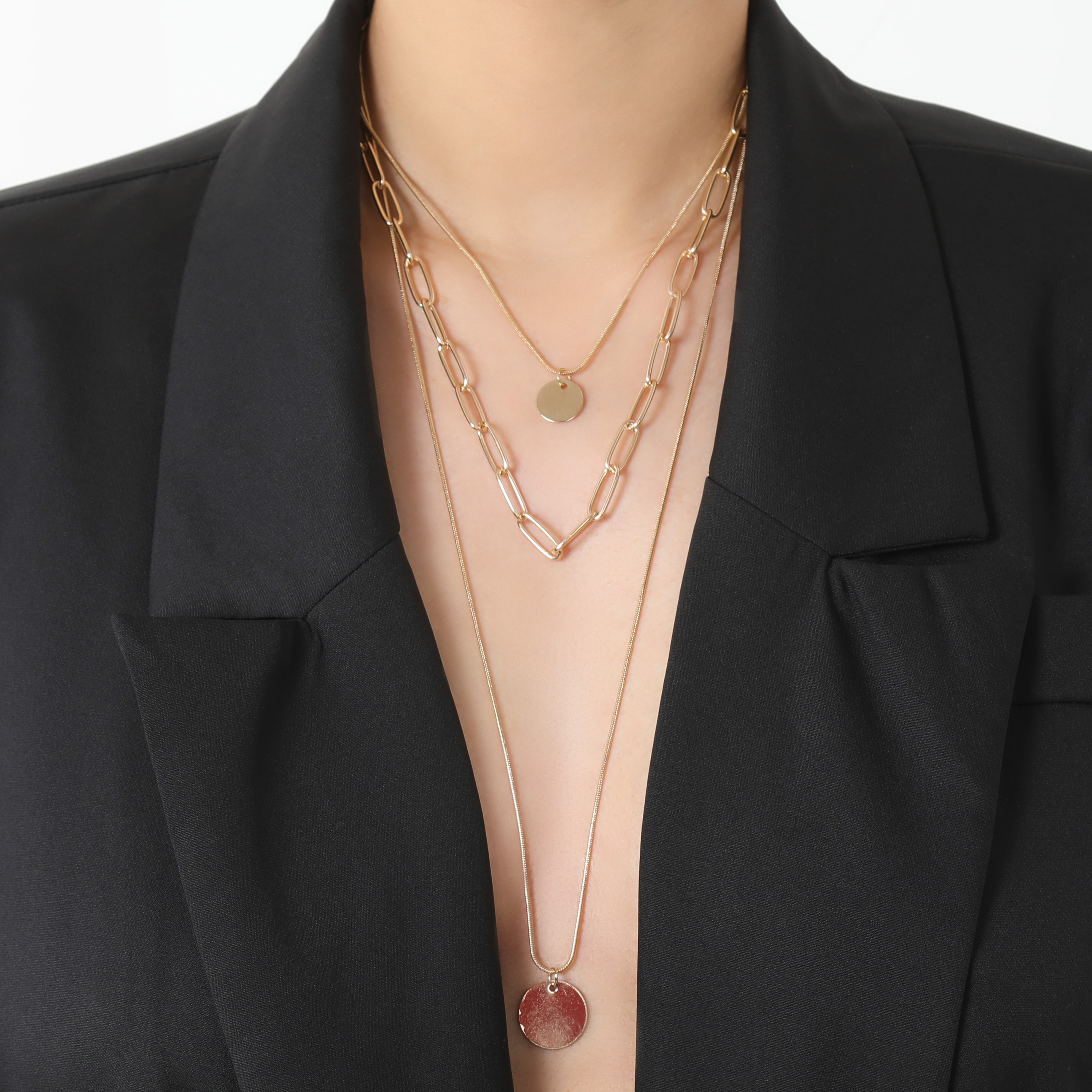 Multi Layer Pendant Detail Necklace In Gold