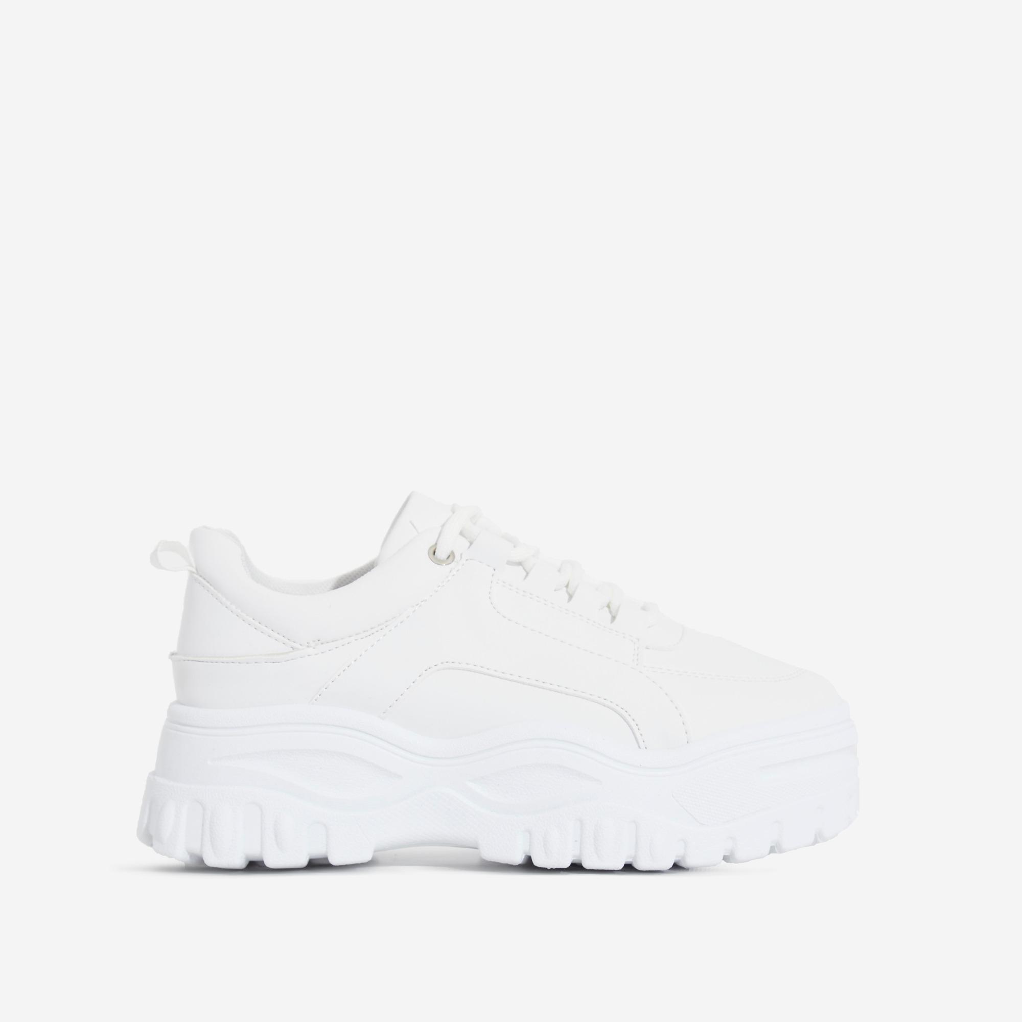 Tye Chunky Sole Trainer In White